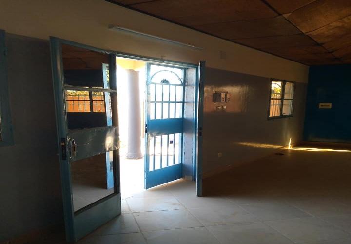Villa a louer vers CEG 25 devant mosquée Tchanga