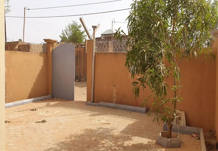 Maison Neuve vers chez Cheik Bassora