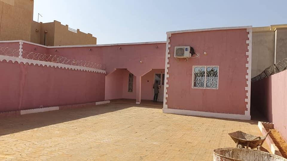 Très Belle Maison vers Château R15