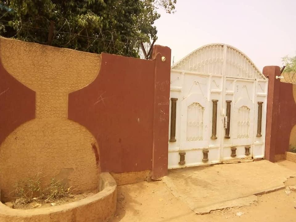 Très Belle Villa au Rond-Point Salou Djibo