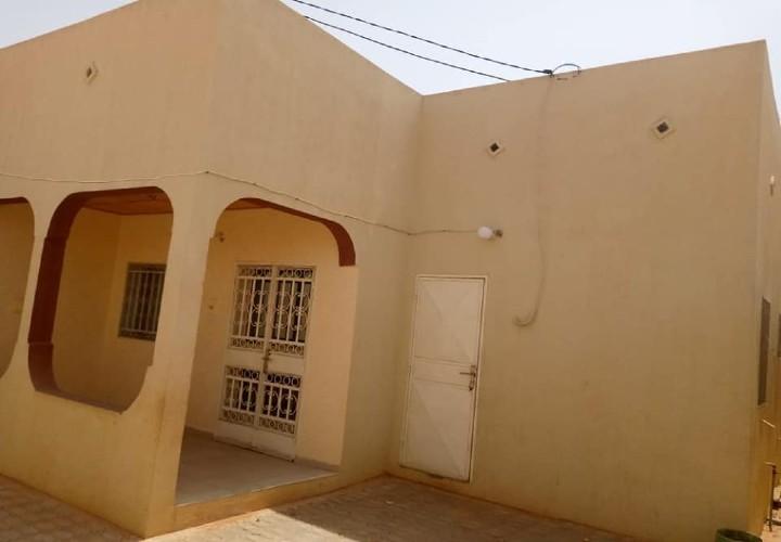 Maison 2 Chambres devant l'hôpital