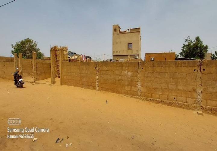 Parcelle Clôturée près de l'école privée Assifa