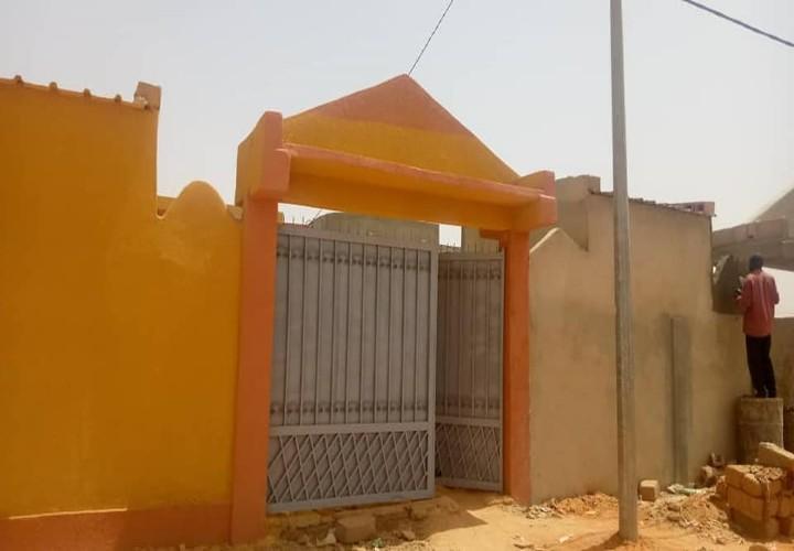 Maison Neuve près de l' École Samba Alkali