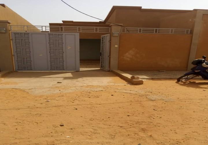 Maison vers l' École Kokaranta 2