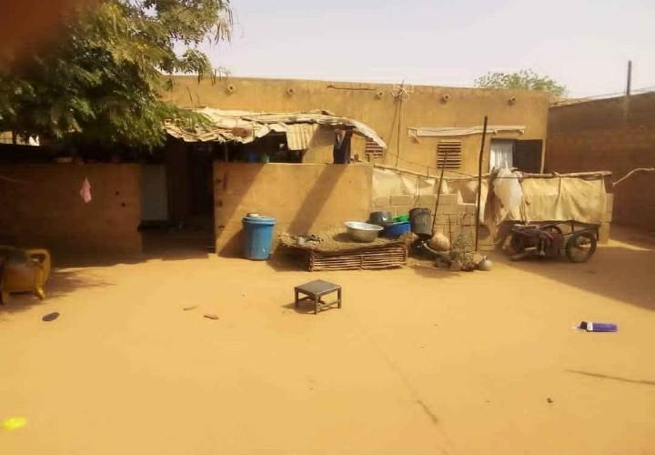 Maison sur 300 m2 vers chez Nourou Walam