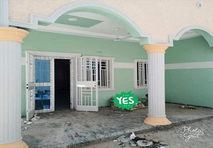 2 Villas devant l' Université Islamique
