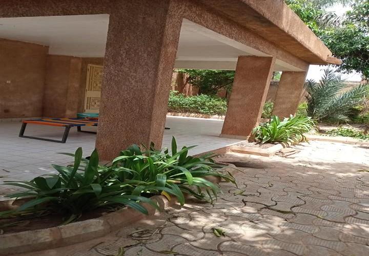 Villa 3 Chambres avec 2 Dépendances