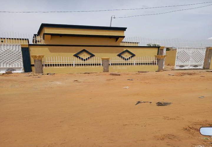 Villa Neuve  3 Chambres après Gendarmerie Koira Tégui