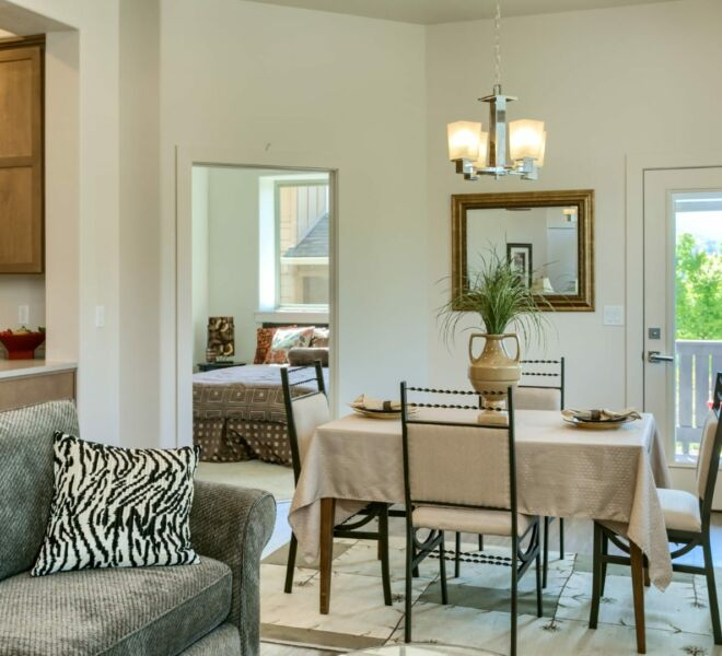 dining room of a home in Meadowbrook Park Condos in Ashland Oregon