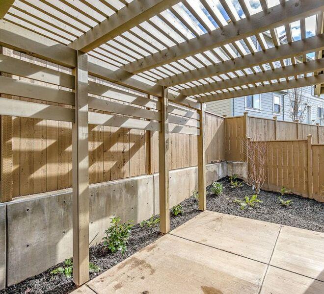 Meadowbrook townhomes backyard