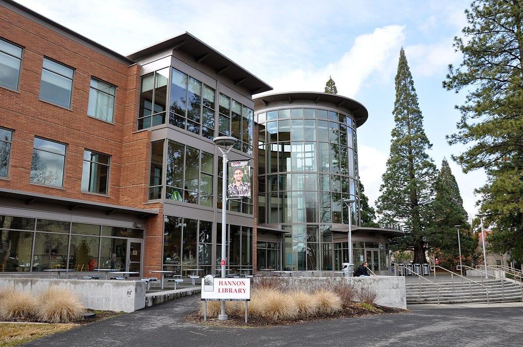 The Hannon Library at SOU in Ashland, Oregon