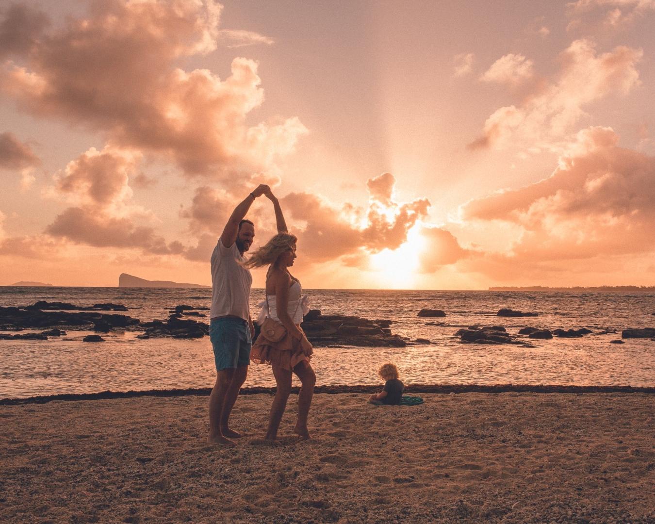 Beachcomber Canonnier couple and kid on the beach