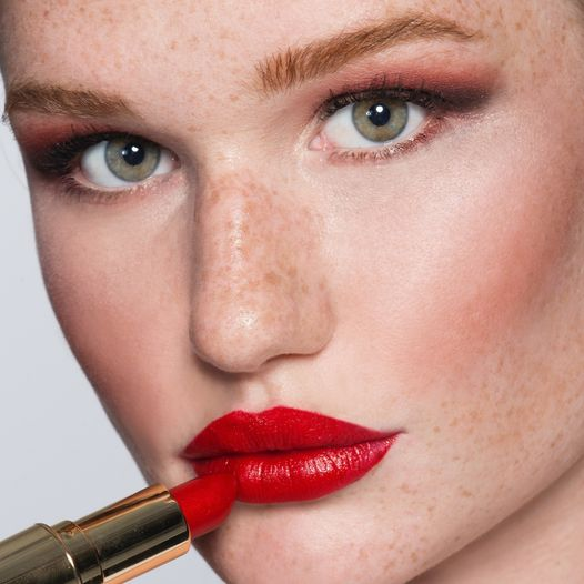 24K Gold Glam Lipstick