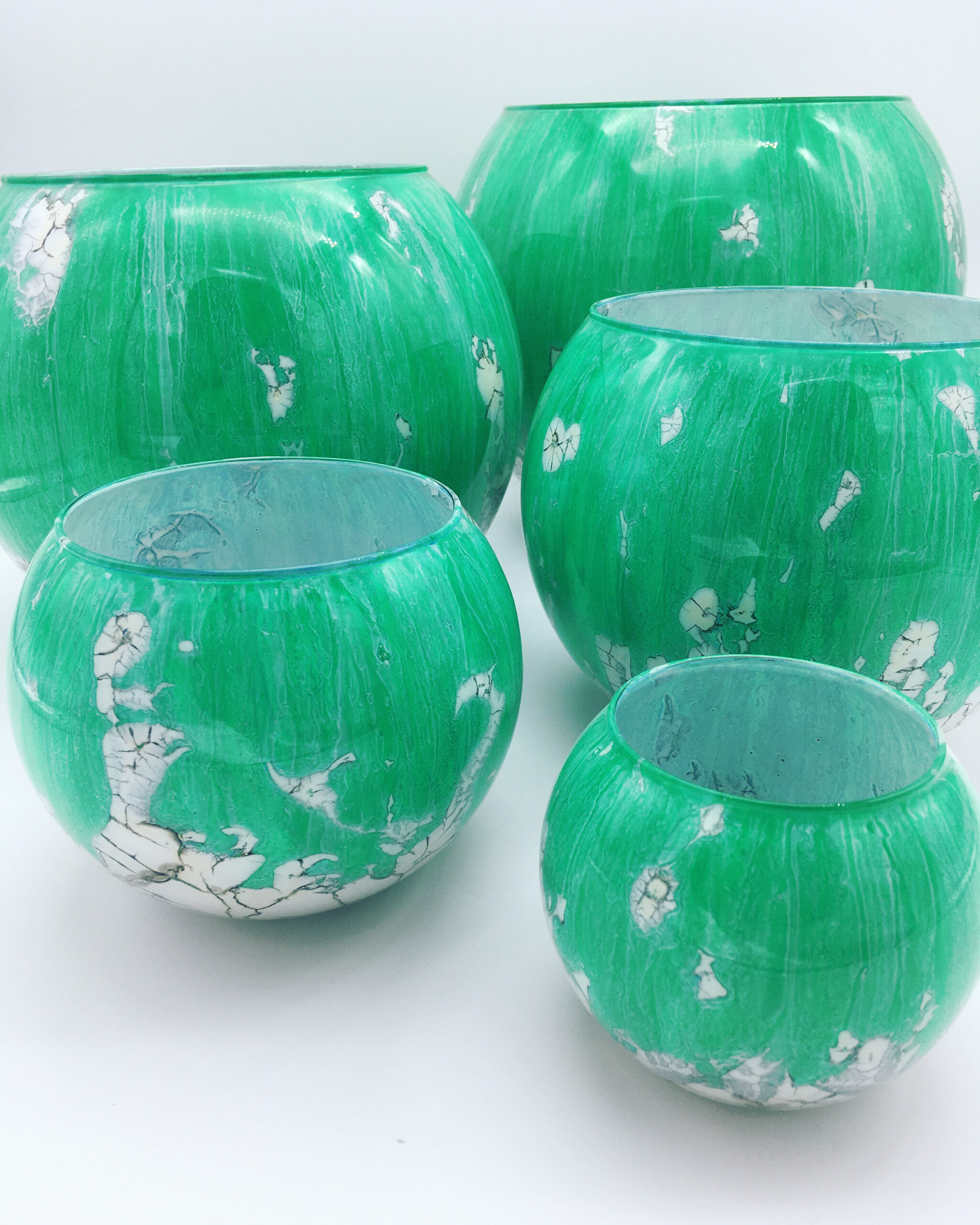 cjs-setoffive-ligtgreenandwhitebowls-handpaintedglass_1080