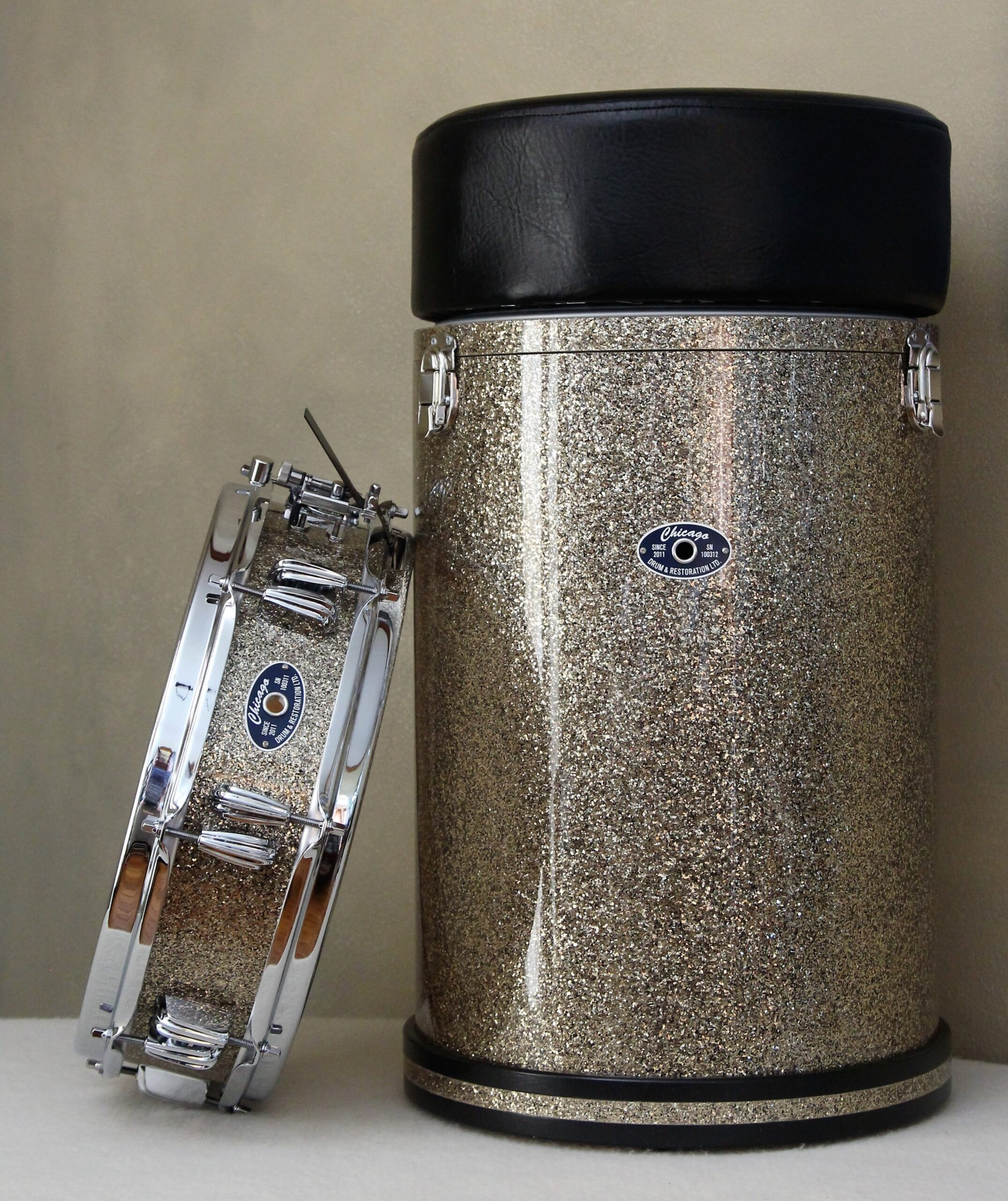 Ginger Glitter Piccolo and Canister Throne