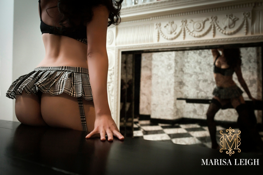 Boudoir Photography Tips: How to Prepare Your Client and Team Before a Boudoir Shoot