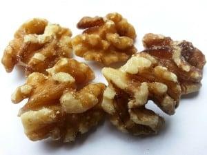 nuts-164766_1280