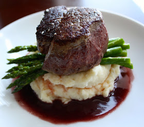 Romantic Homemade Dinners - Filet of Beef with Red Wine Sauce