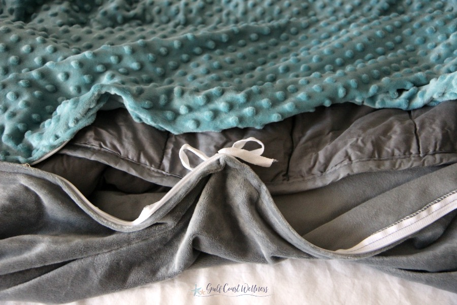 8 Reasons You'll Love a Weighted Blanket. Plus an unboxing from Sonno Zona #weightedblanket #healthbenefits #unboxing
