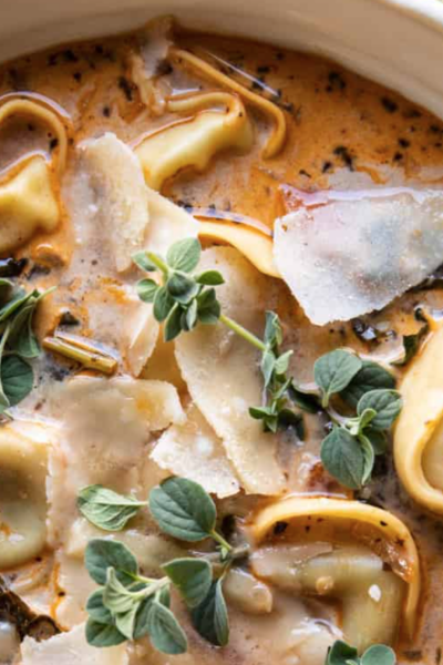 Slow Cooker Creamy Tortellini Vegetable Soup