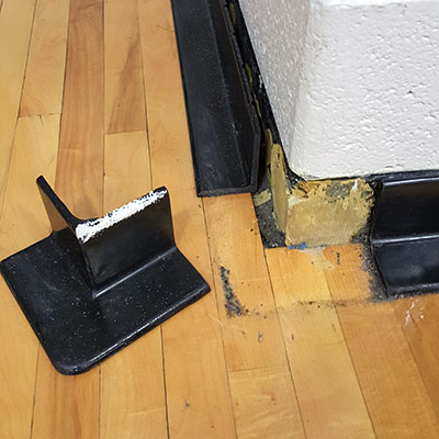 Rubber Base Corner detached from wall
