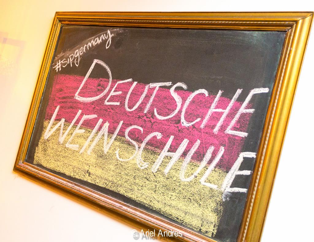 Deutsche Weinschule at iYellow [Canon 6D, Canon EF-S 17-40mm f/4]