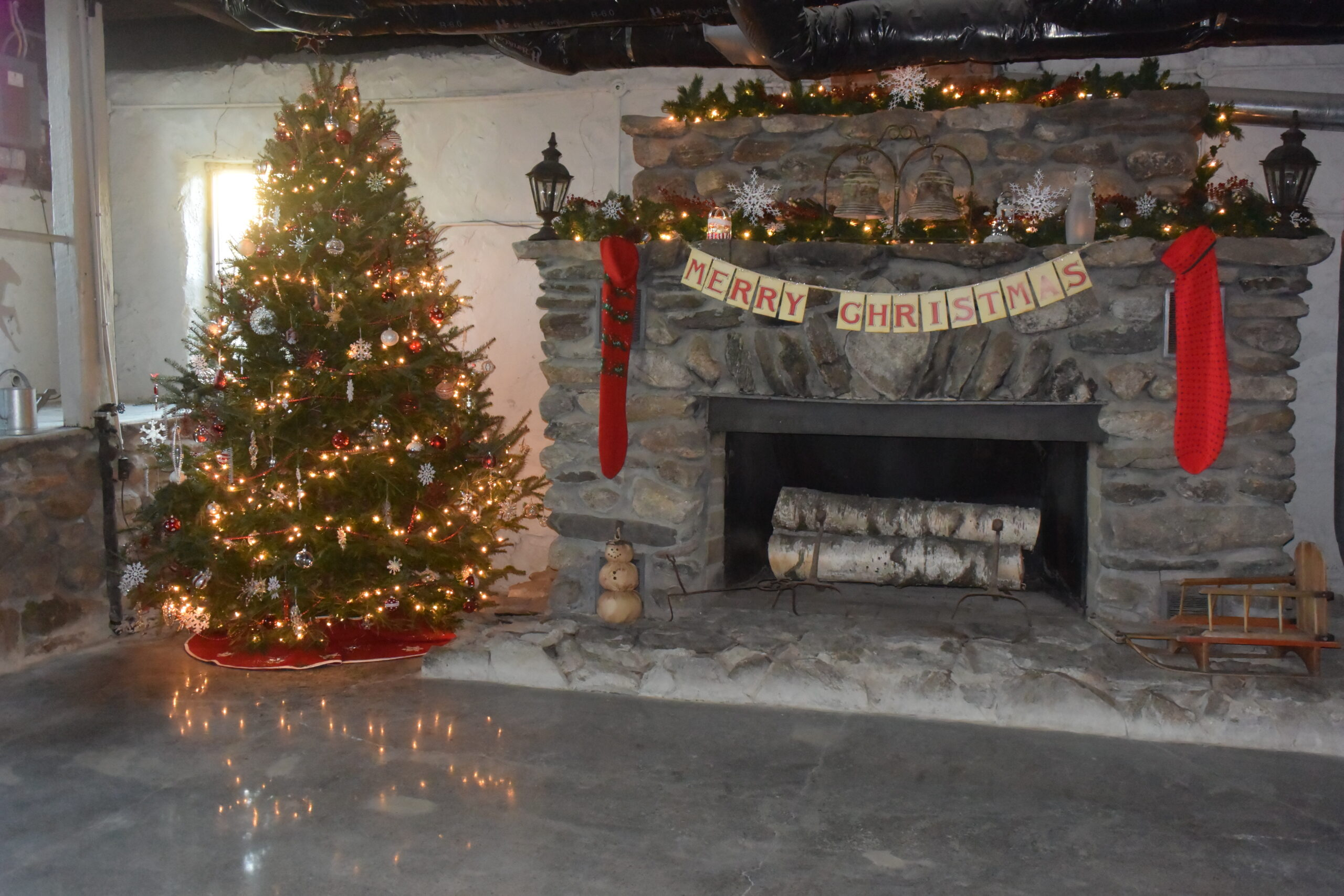 Holiday Photo Shoots In The Barn