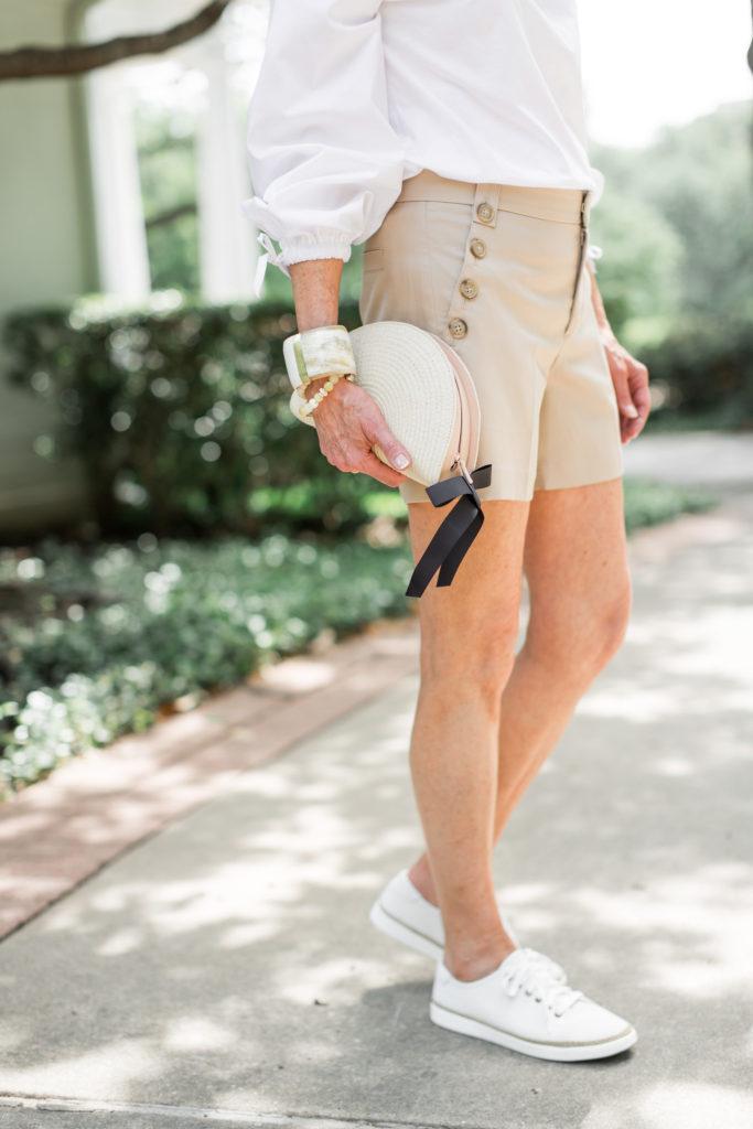 Debby Fashionomics wearing Vionic Hattie sneakers.