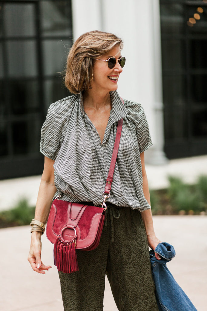 Crossbody bags by Chloe for athleisure outfits are classic trends