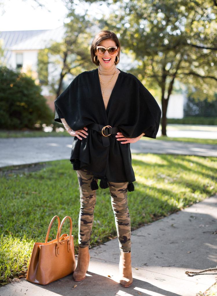 Tan Ralph Lauren tote and Sam Edelman bootie on Dallas blogger