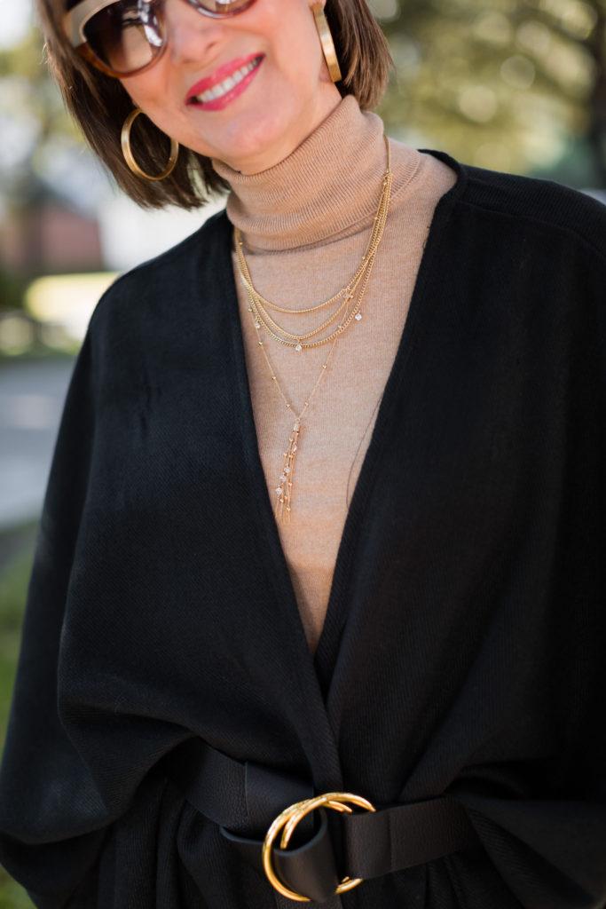 Claudia Lobao gold hoops