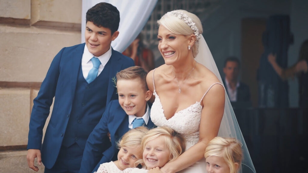 dvantages for wedding video  - Speeches and food