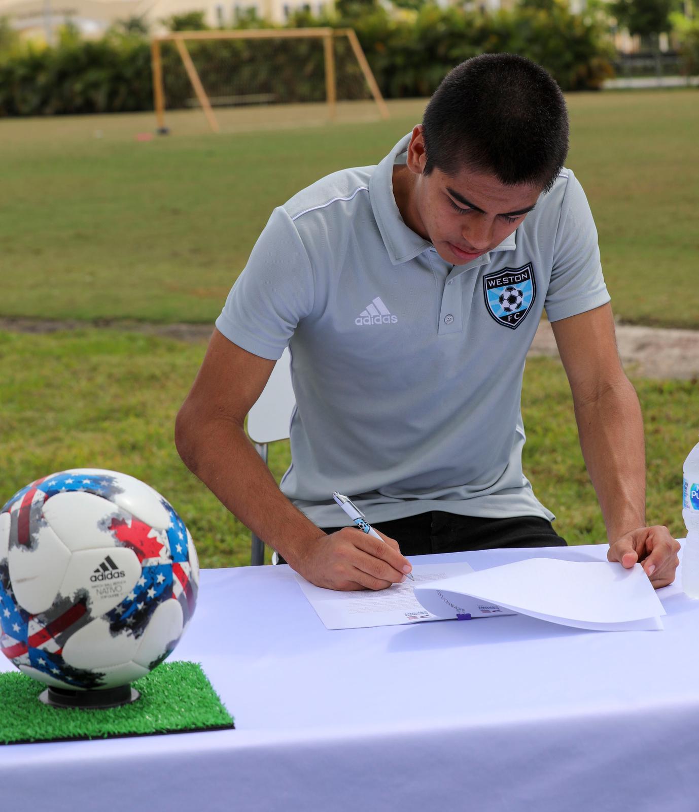 Gabriel Rivas Signs Contract (2)