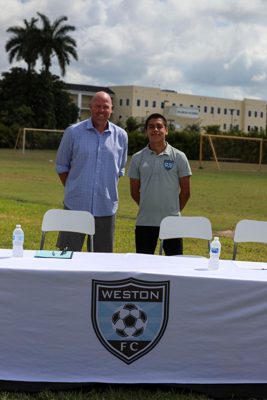 Gabriel Rivas Signs Contract (3)