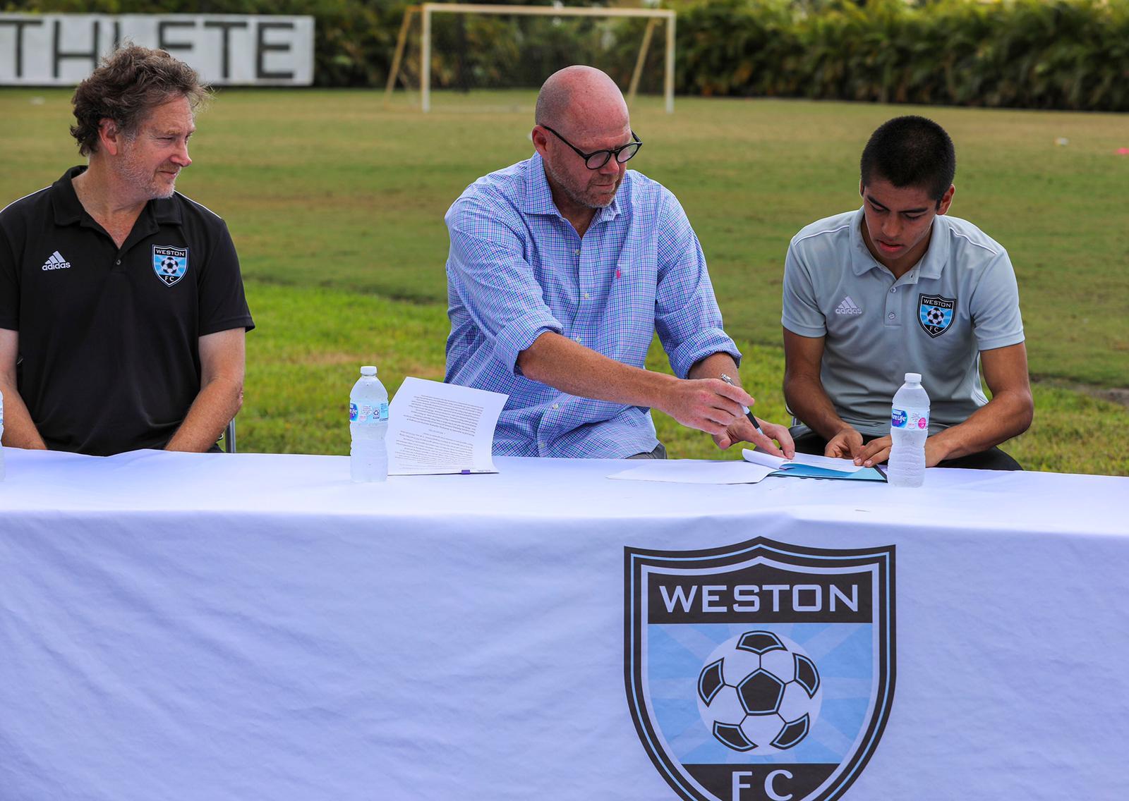 Gabriel Rivas Signs Contract (5)
