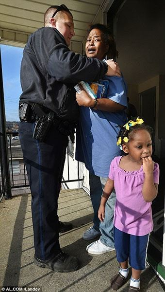 She Stole 5 Eggs To Feed Her Children, The Officer Brought Her 2 Truckloads Of Food Instead Of Arresting Her 15