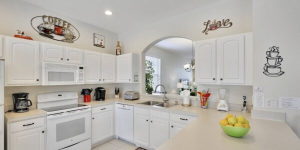 The-Kitchen-in-this-Top-Rated-6-bedroom-HomeAway-Windsor-Hills-Vacation-Rental-By-Owner-In-Florida