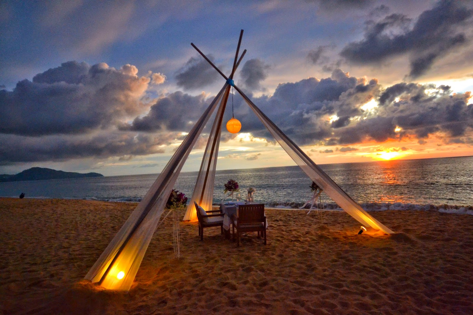 PRIVATE SUNSET BEACH DINNER AT RENAISSANCE PHUKET RESORT & SPA Thailand