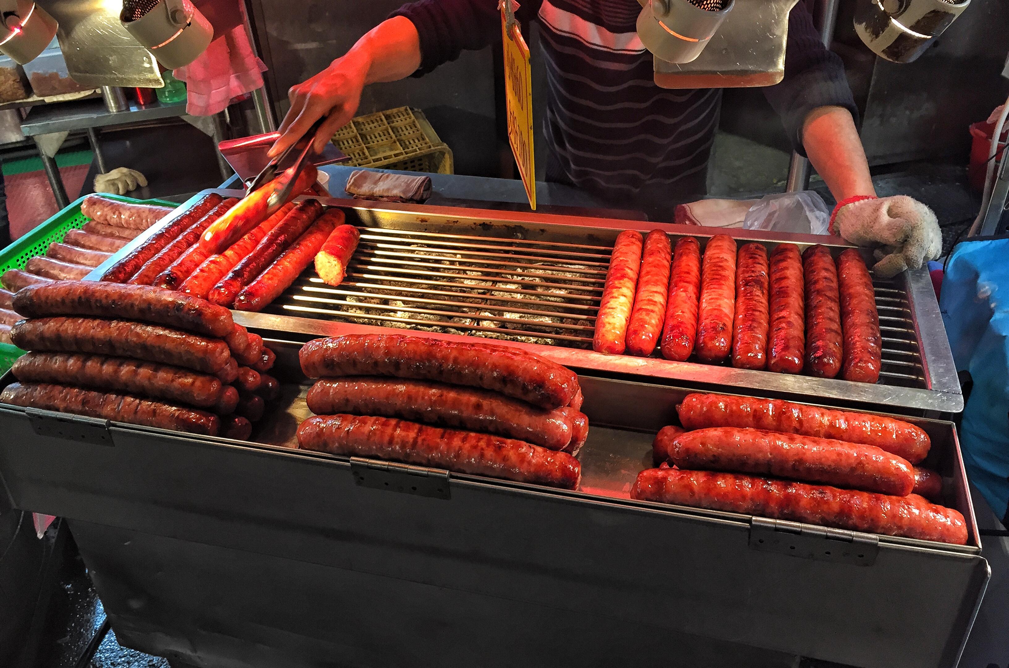 SHILIN NIGHT MARKET Taipei sausages