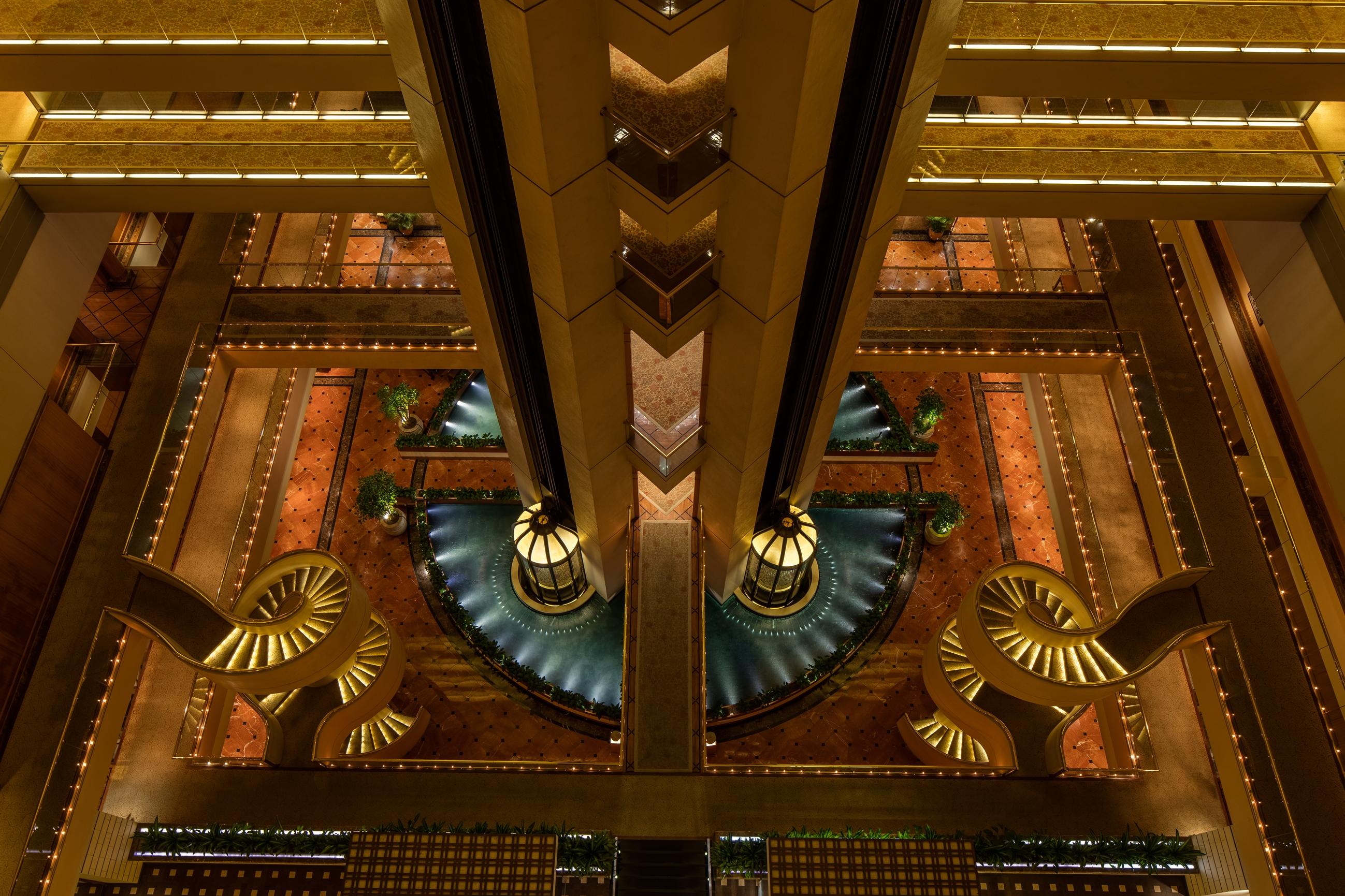 singapore-a-four-seasons-hotel_atrium-fountain-2