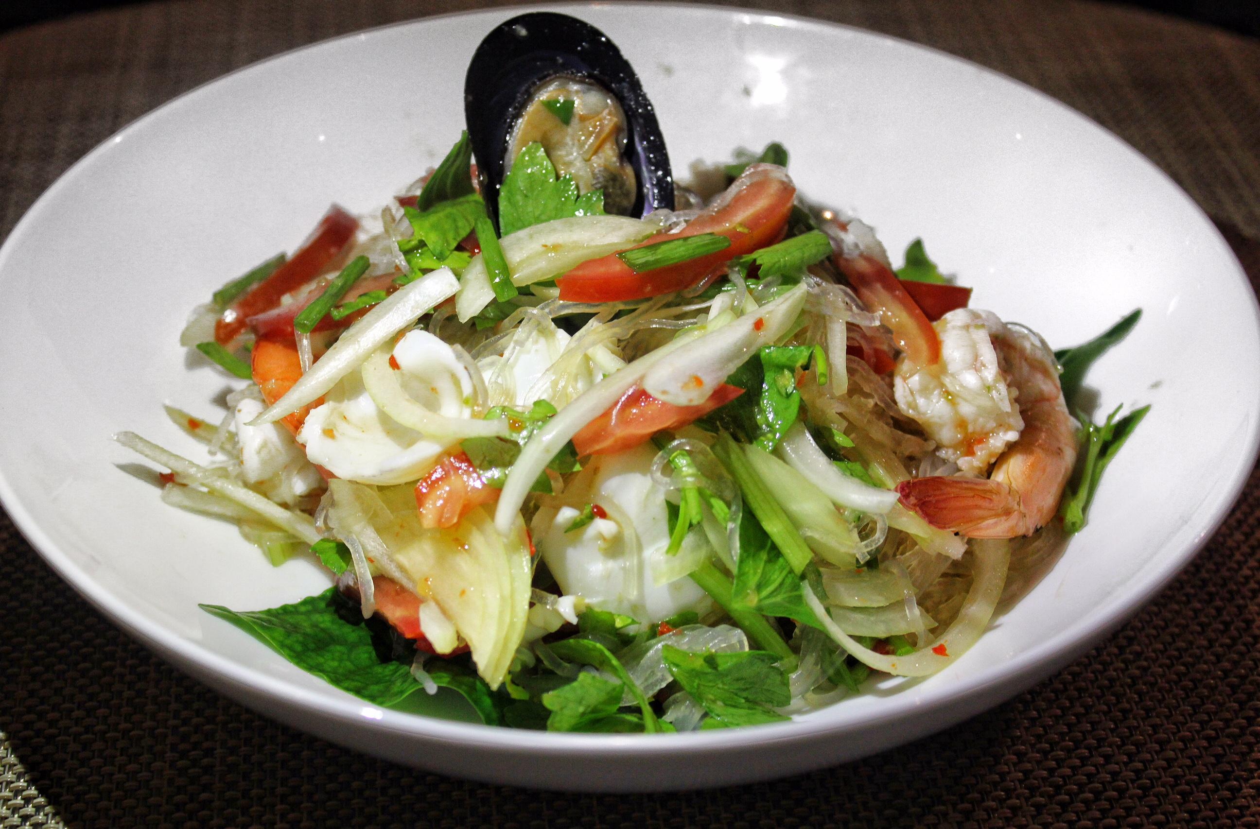 andaman-kitchen-phuket-marriott-resort-and-spa-nai-yang-beach-salad