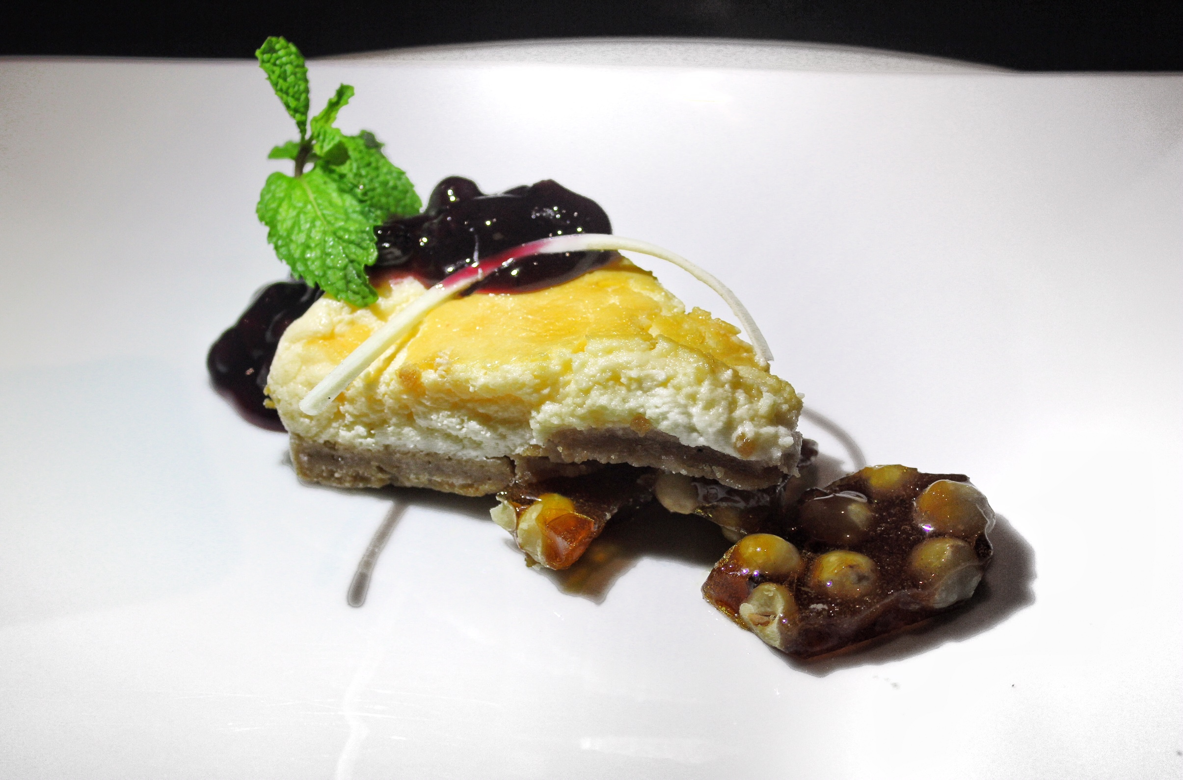 big-fish-phuket-marriott-resort-and-spa-nai-yang-beach-dessert