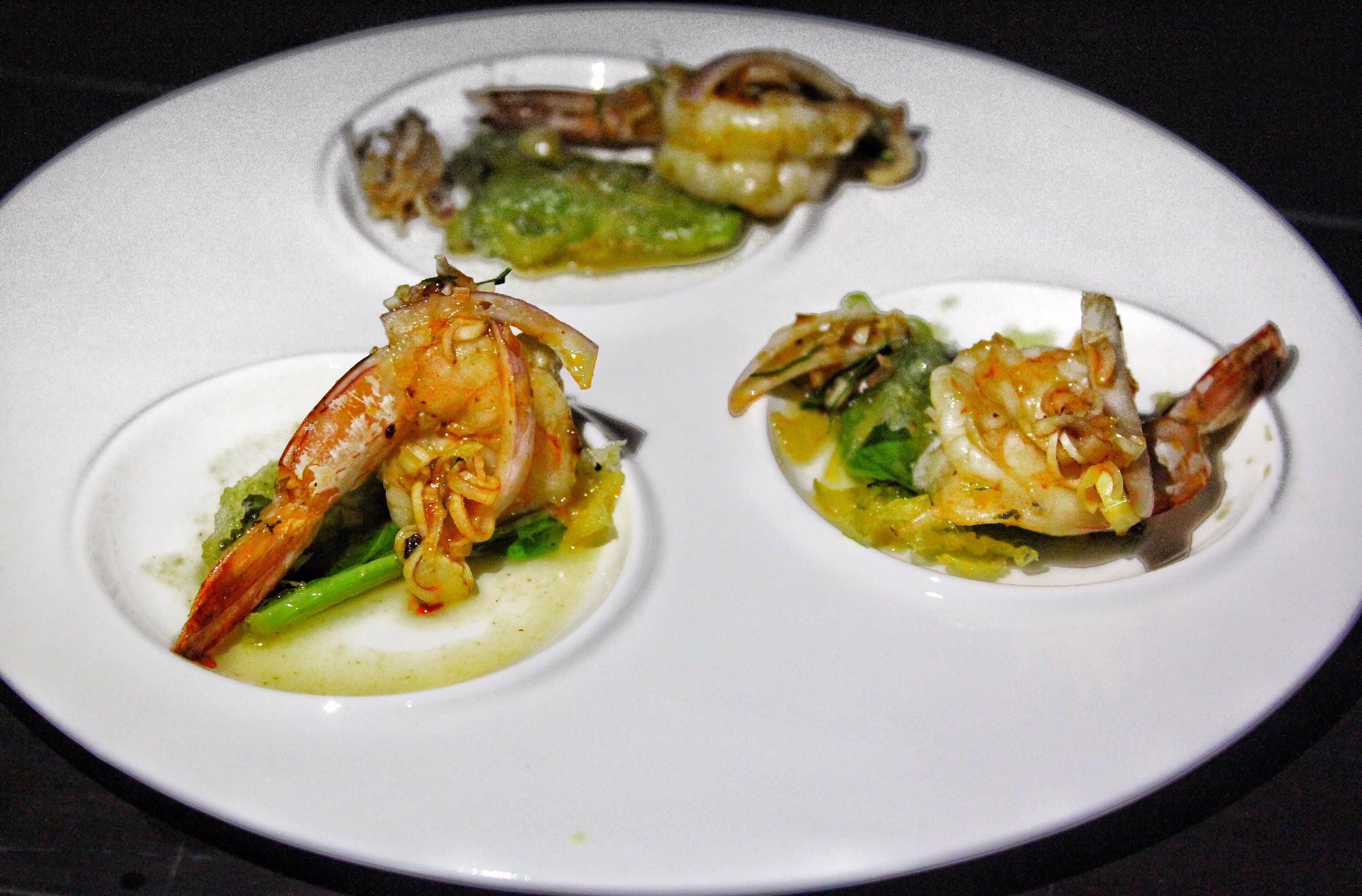 dream-bar-maikhao-dream-villa-resort-spa-phuket-prawns