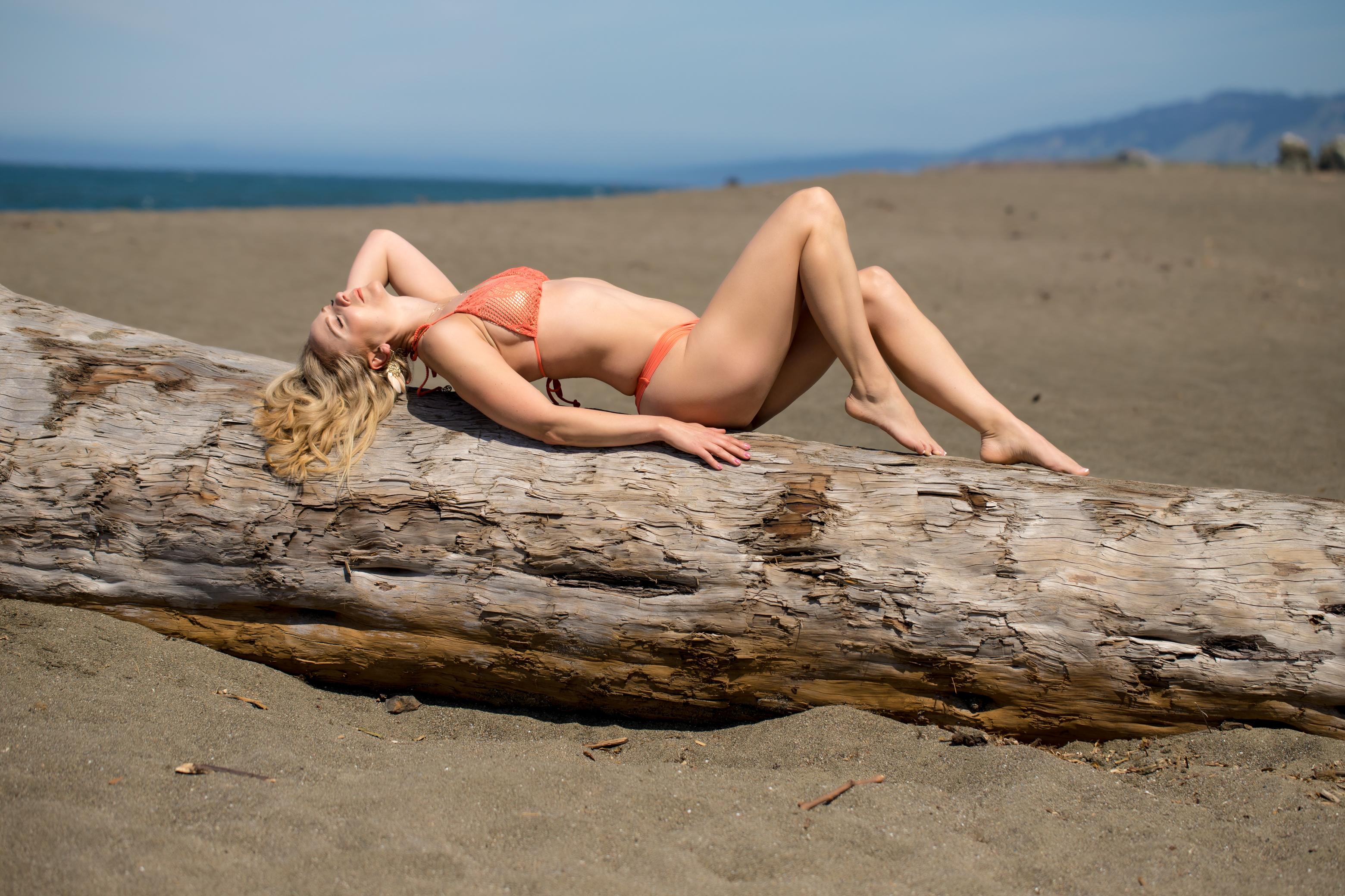 beach-bikini-sonoma-coast-women-portraits