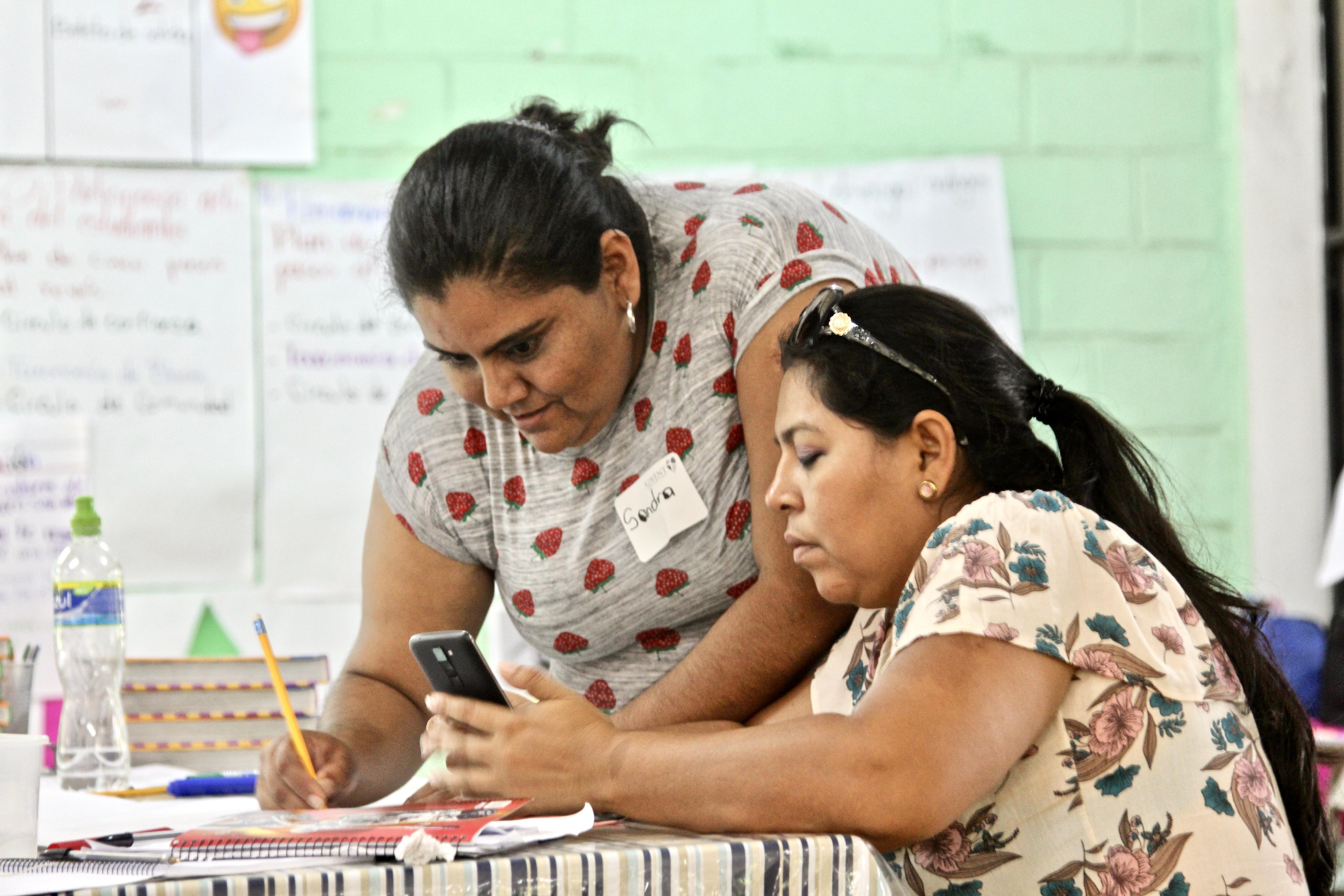 Teacher training program Honduran teachers maestras