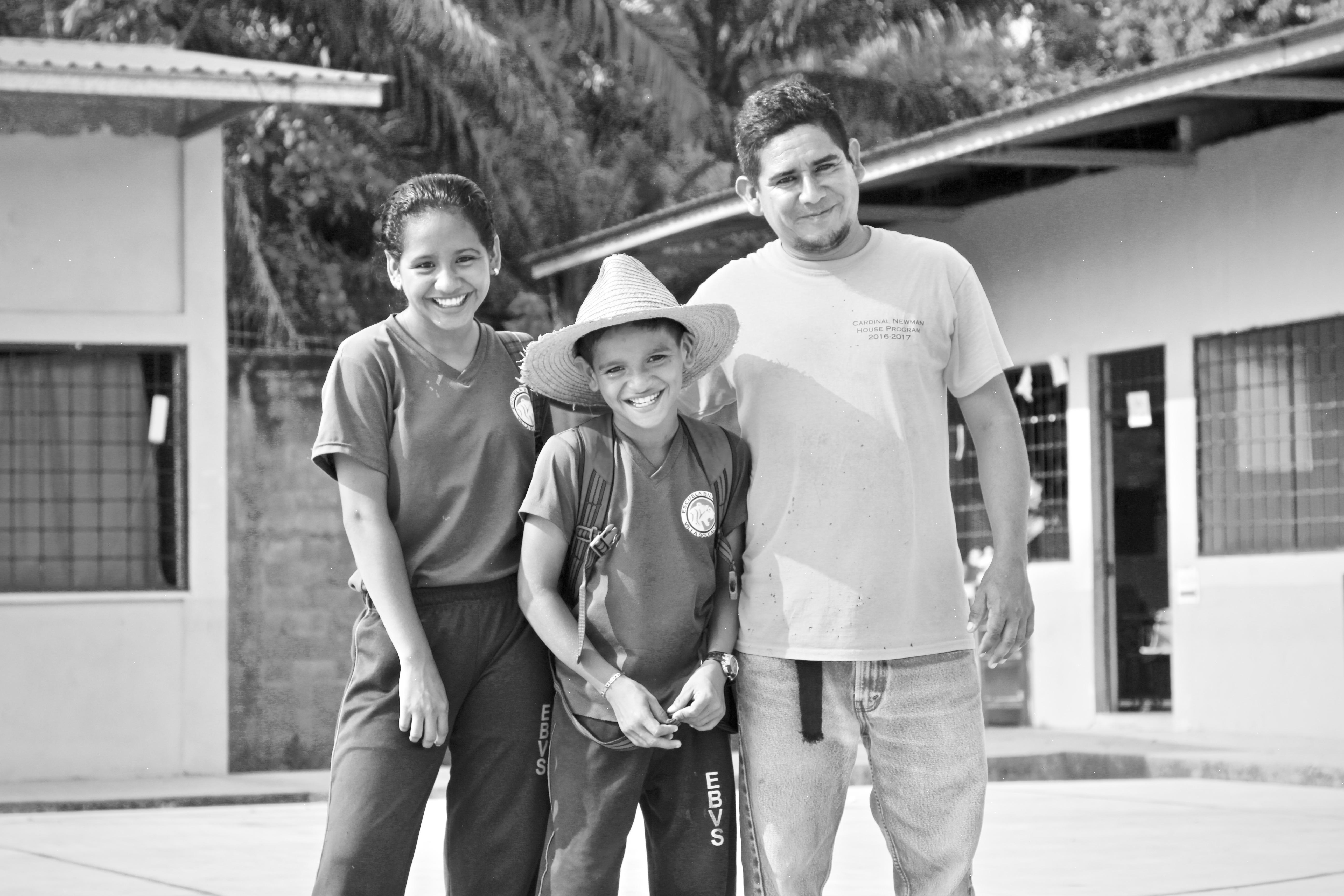 Personas Hondureñas: Meet Leonidas Reinada, Mason
