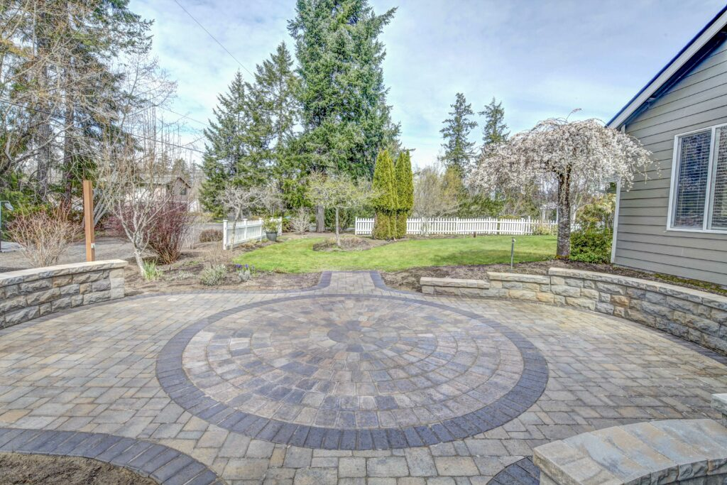 belgard patio with circle inset