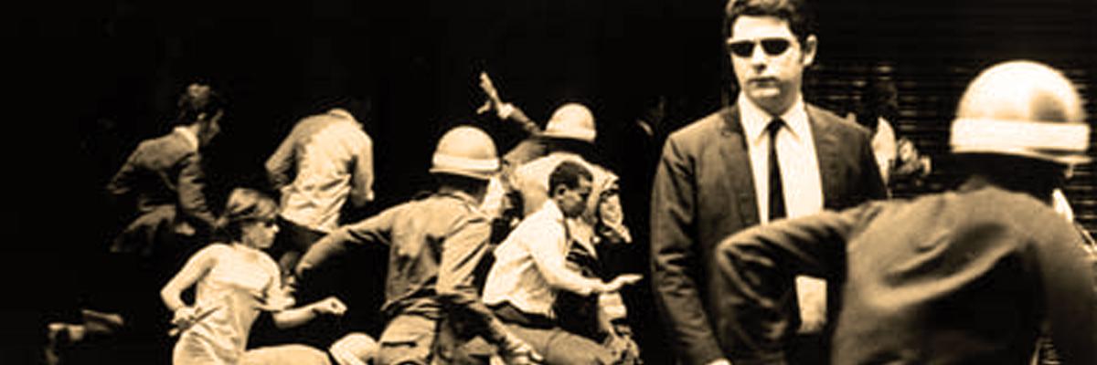 Repressão contra manifestação de estudantes em 1964.