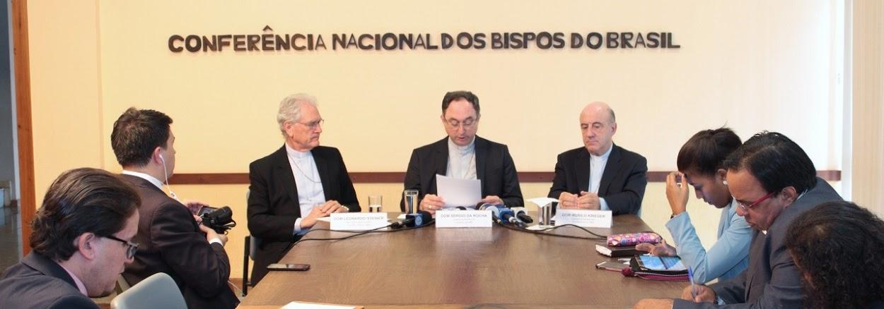 CNBB em reunião.