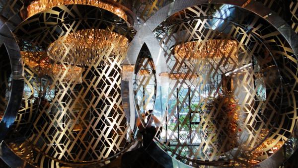 酒店大厅玻璃镀钛